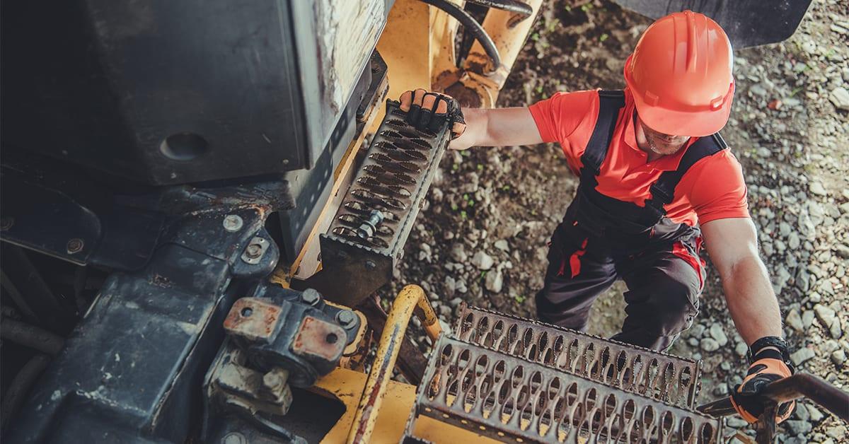 mine-truck-driver-ACF38XS